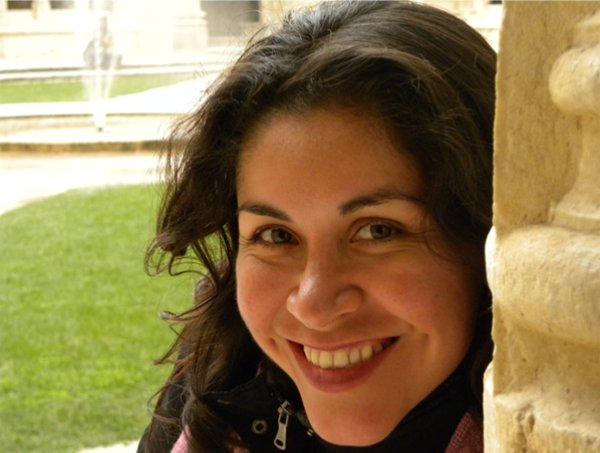 Lydia Gil - @TuSocialMedia